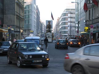 Checkpoint Charlie Far